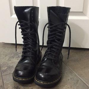 Dr. Martens Black 14 Hole Boots Size 8 Men's